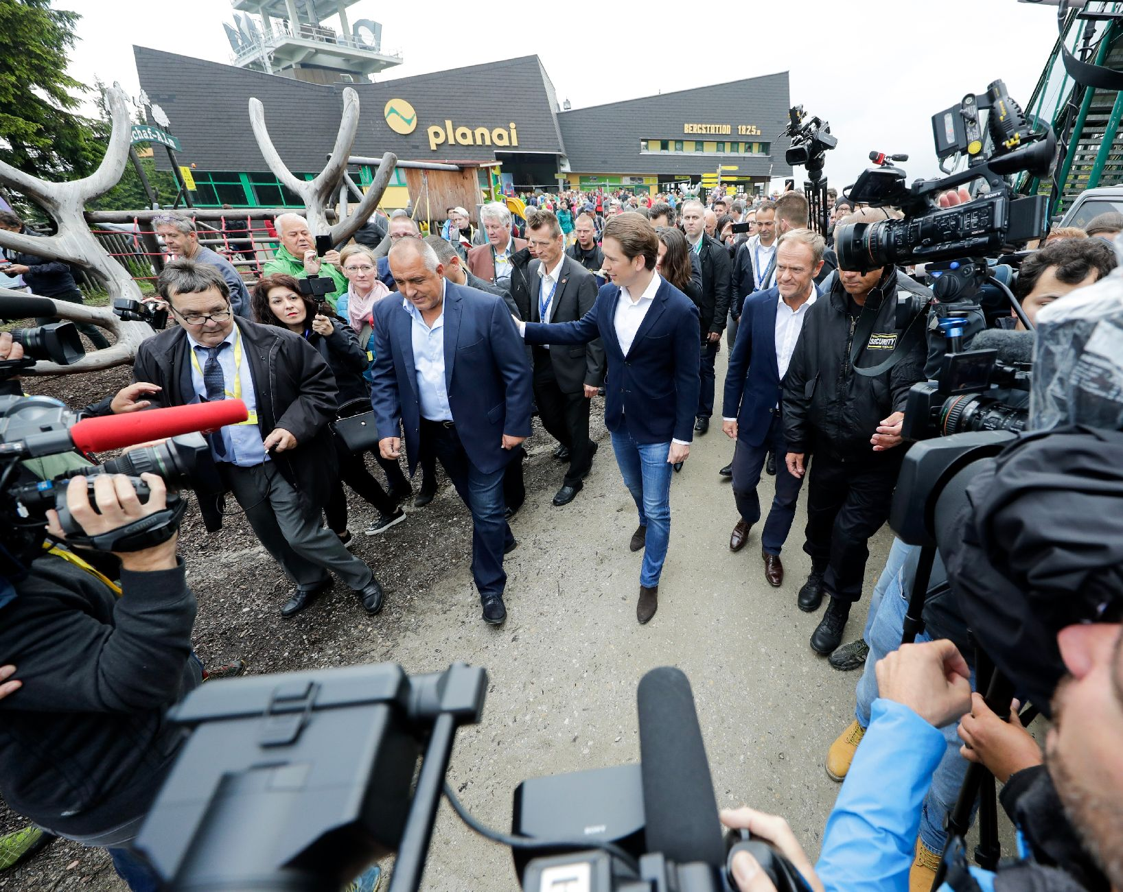 Arrival of Federal Chancellor Sebastian Kurz, Prime Minister Boyko Borissov and European Council President Donald Tusk at the top of the Planai mountain