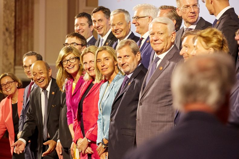 Informal meeting of foreign affairs ministers - group photo