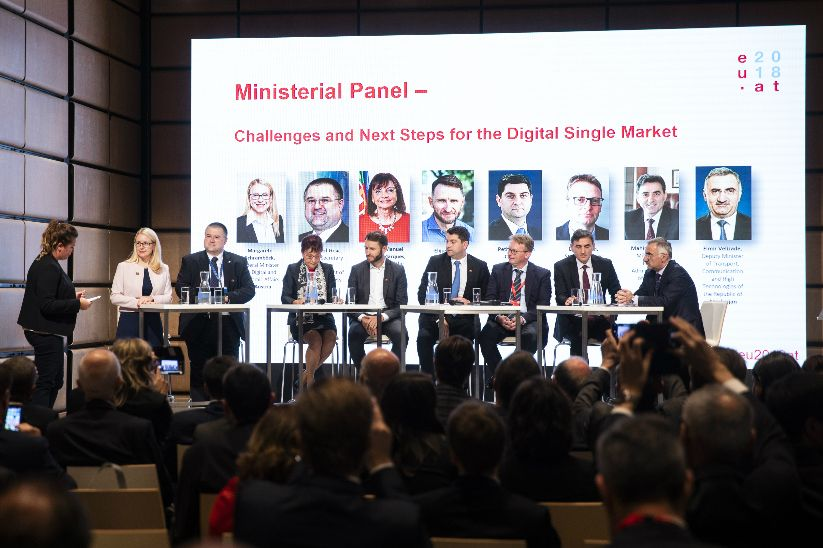 High level conference on digital and e-government on 26 September 2018. Picturing (from left to right) Federal Minister Margarete Schramböck, State Secretary Bernard Gršić, Minister Maria Manuel Leitão Marques, Vice-Minister Elijus Čivilis, Minister Petru-Bogdan Cojocaru, State Secretary Leon Behin, Minister Mahir Yağcılar and Deputy Minister Elmir Velizade.