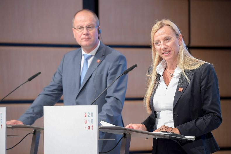 Press conference with Juliane Bogner-Strauss and Tibor Navracsic